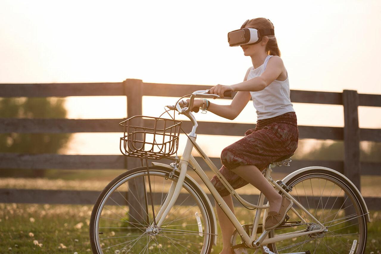 4.0 new economiy web digital experience virtual reality